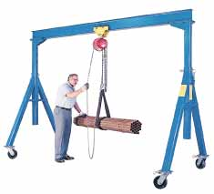 The key parts of the design of the range of steel gantry cranes available from Easy Rack are their easy to move but lockable 8 inch casters.  These wheels will tolerate the high loads that they will face on a day to day basis as you move the crane around.